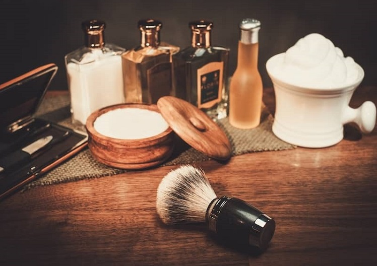 men shaving tools