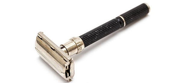 a small adjustable safety razor