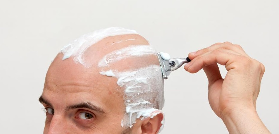 shaving head with razor